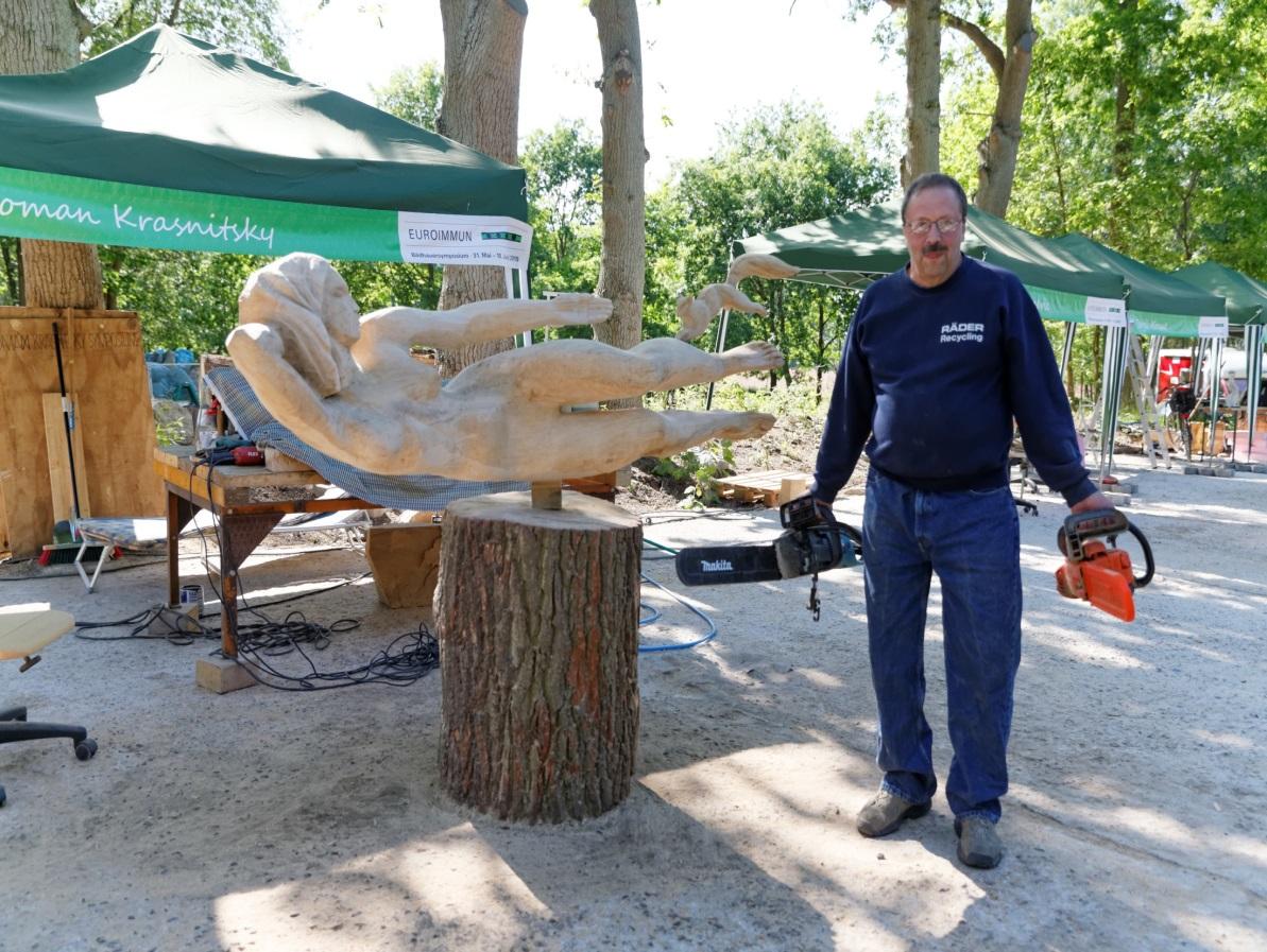 M:\Praesent Luebeck\Winfried\Bildhauersymposium 2015 Fotos\Abschluss\AX6P3259_DxO.jpg