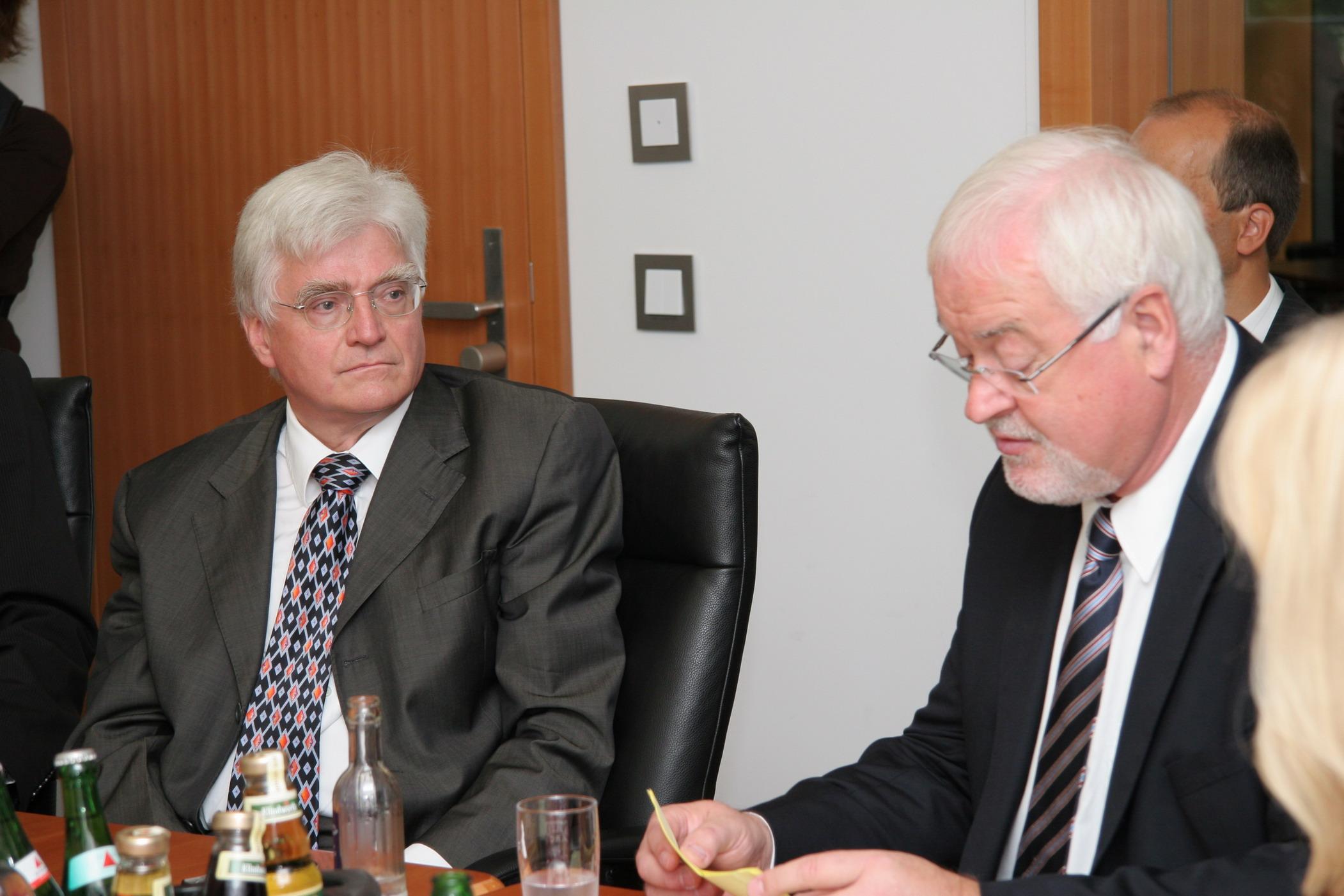 Winfried Stöcker und Peter Harry Carstensen